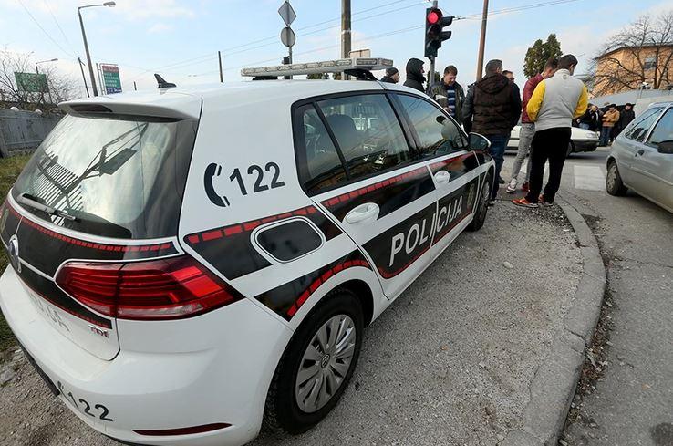 PUCNJAVA USRED DANA Policija traga za dvije osobe koje su učestvovale u oružanom sukobu