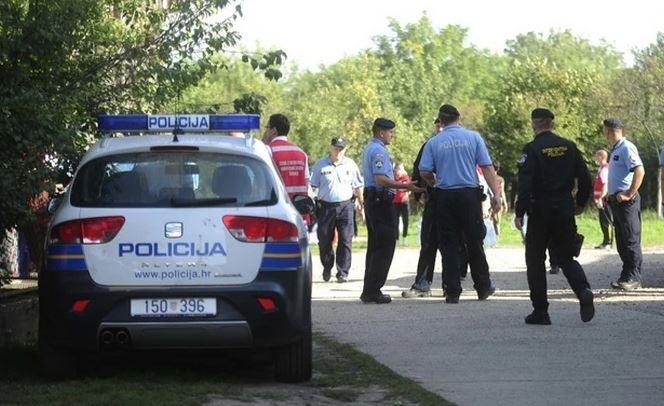 STRAVIČAN ZLOČIN POTRESA KOMŠILUK Dječak tukao staricu do smrti, pa krvav otišao u policiju