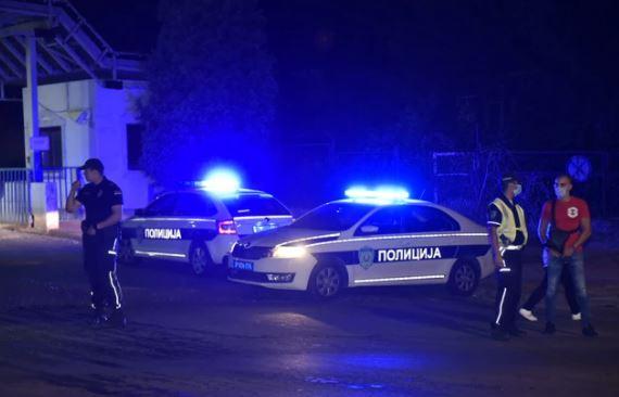 POLICIJA I VATROGASCI NA MJESTU NESREĆE Taksista uletio u suprotnu traku, pa udario u džip