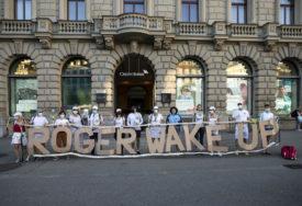 """""""RODŽERE, PROBUDI SE!"""" Građani Berna protestuju protiv svog sportskog idola"""