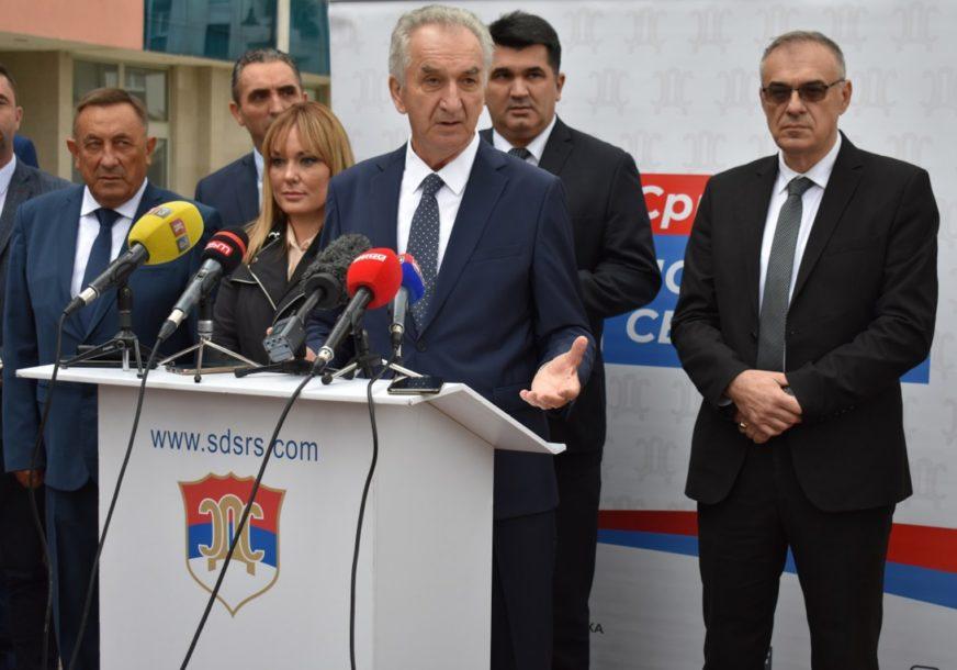 """""""SRPSKA NE SMIJE BITI POSJED DESETAK PORODICA"""" SDS predstavio predizborni slogan"""