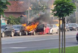 SNIMAK OTKRIVA SAV UŽAS U sudaru pet automobila samo čudom nije bilo povrijeđenih (VIDEO, FOTO)