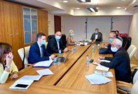 UZ POŠTOVANJE SVIH MJERA Usvojen Plan za početak nove akademske godine u Srpskoj (FOTO)
