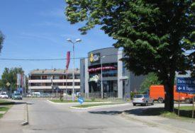 SRBAC SE HVALI Zaposlili 400 radnika za četiri godine