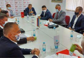 DRAGOSAVLJEVIĆ ZA NAČELNIKA SRPCA Kandidata SNSD podržale tri stranke