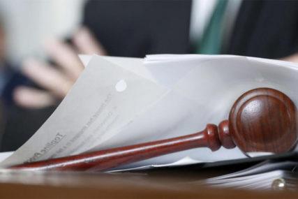 SUĐENJE DRŽAVLJANINU SRBIJE ODLOŽENO Advokat Pink Pantera napravio SKANDAL U SUDNICI