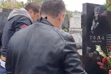 SJEĆANJE NA LEGENDU Održan pomen Tomi Zdravkoviću (VIDEO)