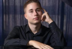 """""""NAZIVAJU ME VUČIĆEVIM PIJANISTOM"""" Vladimir na sudu zbog sviranja klavira, a sada dobija OPREČNE KOMENTARE JAVNOSTI"""