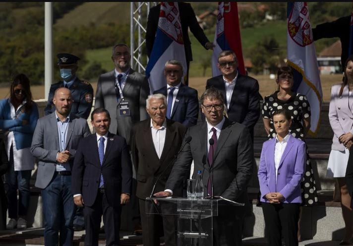 """""""RAKIJU DAJTE TRAMPU"""" Vučiću na poklon parče zemlje natopljene krvlju seljaka Pranjana"""