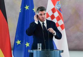 VANREDNO STANJE IZ NJEGOVOG UGLA Milanovićev lapsus predmet šale u hrvatskim medijima