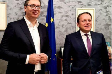 DRUGI DAN RAZGOVORA U BRISELU Vučić sa evropskim komesarom Varhejiem