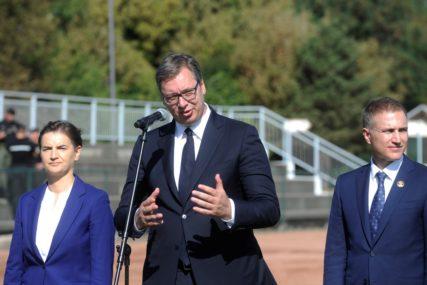 ZVANIČNA POSJETA ZAVISI OD PREMIJERA Vučić: Sva vrata Srbije su otvorena za ljude iz Crne Gore