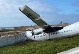 UDARIO U BETONSKU BARIJERU Udes kenijskog teretnog aviona na aerodromu u Somaliji