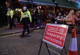 PROTEST PROTIV MJERA BLOKADE Britanska policija uhapsila 10 ljudi, povrijeđeni policajci