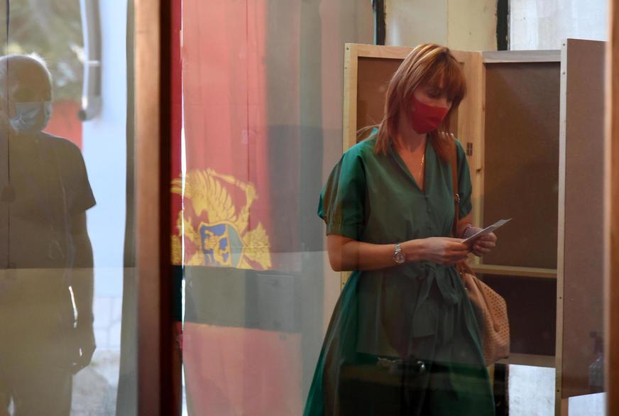 UZORCI OBRAĐENI U NJEMAČKIM LABORATORIJAMA Korona virus u Crnoj Gori ne posustaje