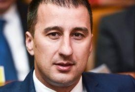 RIJEŠEN VIŠEDECENIJSKI PROBLEM Milošević se zahvalio za novu šargovačku ulicu