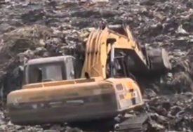 SVE MANJE NADE ZA SPAS DJEVOJČICE Ostala zatrpana ispod smeća na deponiji, gdje je radila (VIDEO)