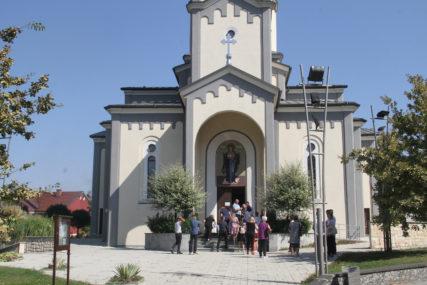 Vidovdanske večeri na otvorenom: Kolo srpskih sestara priredilo bogat program u Derventi