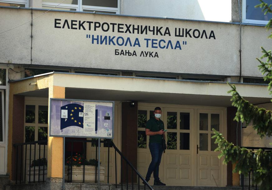 ČASOVI ĆE BITI NADOKNAĐENI Radovi na Elektrotehničkoj školi prolongirali početak nastave