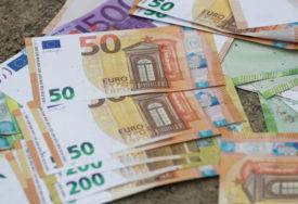POLICIJA UHAPSILA OSUMNJIČENOG Plaćao falsifikovanim novcem na pijaci, u stanu mu pronašli još LAŽNIH PARA