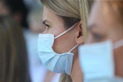 """APEL GRAĐANIMA DA SE PRIDRŽAVAJU MJERA """"Maske možda štite bolje nego što će vakcina"""""""