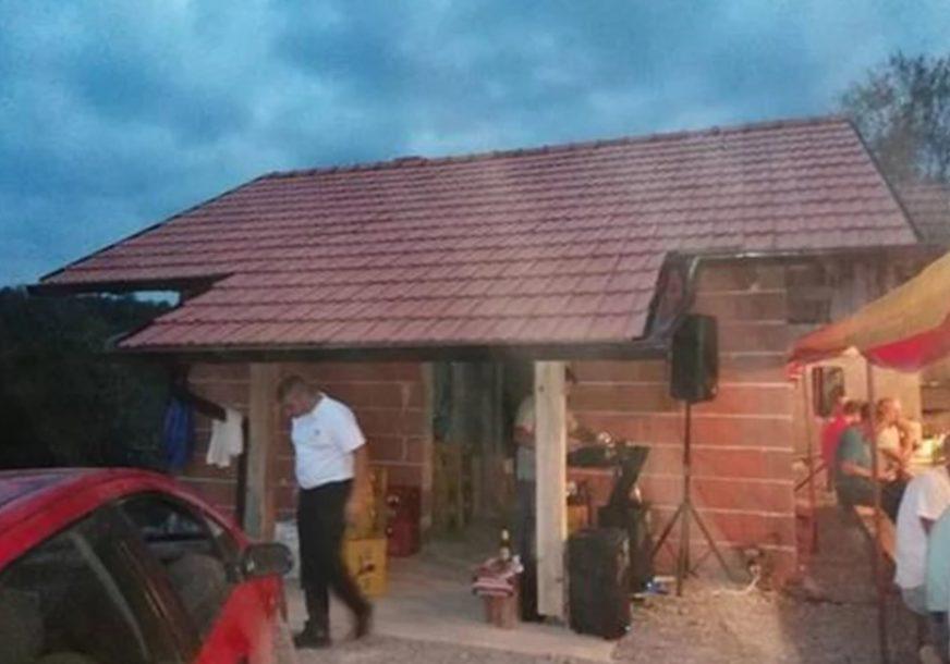 ŽIVIO U OBJEKTU STAROM 100 GODINA Za 12 dana pod krov stavljena nova kuća za borca VRS