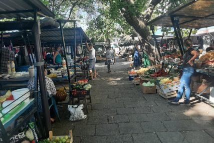 PANDEMIJA SVE POREMETILA Dobra ponuda voća i povrća, ali prodaja slaba