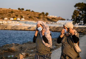NA OSTRVU VIŠE OD 14.000 IZBJEGLICA Oko 700 migranta sa Lezbosa seli u kontinentalni dio Grčke