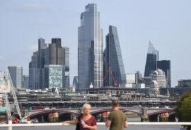 PARIZ ODBACUJE UPOZORENJA LONDONA Ugrožen dogovor o slobodnoj trgovini i Bregzitu