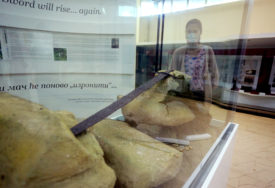 "IZRONILA PRIČA O BANJALUČKOM EKSKALIBURU Muzej RS predstavlja ""Vrbaski mač u kamenu"""