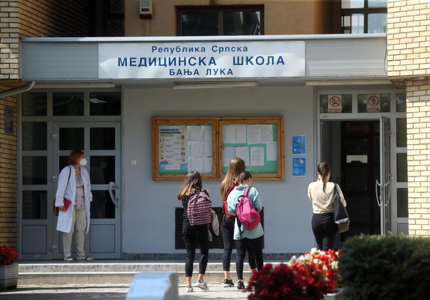 NAJVIŠE U MEDICINSKOJ Čak 130 srednjoškolaca u izolaciji
