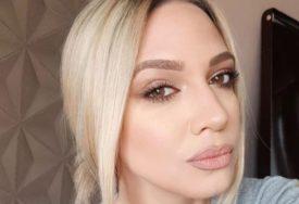 POPUSTILE KOČNICE Milica Todorović se skinula u brus i počela uvijati kukovima (VIDEO)