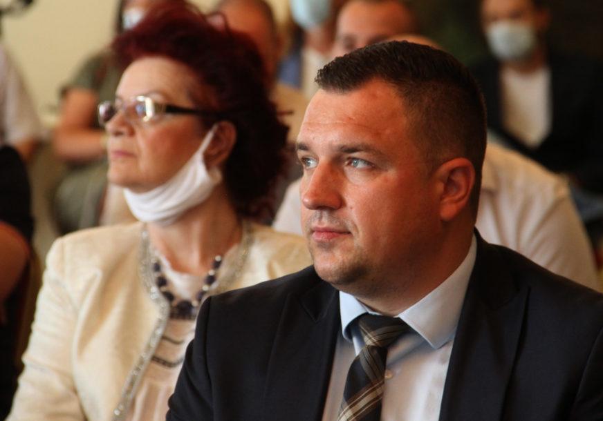 LUČIĆ POZITIVAN NA KORONA VIRUS Ministar za ljudska prava i izbjeglice U IZOLACIJI