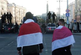 TRAŽE NOVE IZBORE Na proteste u Minsku izašlo više od 100.000 LJUDI