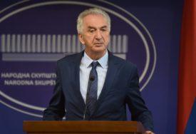 """""""IGRE ZA KRATKOROČNU UPOTREBU"""" Šarović tvrdi da je Palmer nezainteresovan za inicijative Dodika i Komšića"""