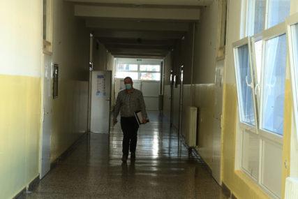 Čeka se obraćanje predsjednika: Francuska razmatra zatvaranje škola na četiri nedjelje