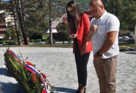 """""""DA SE NIKADA NE ZABORAVI I NE PONOVI"""" Obilježeno 25 godina od progona Srba iz Drvara"""