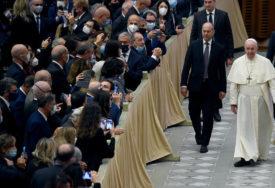 VATIKAN IZBJEGAVA POLITIČARE PRED IZBORE Odbijen Pompeov zahtjev za audijenciju kod pape Franje