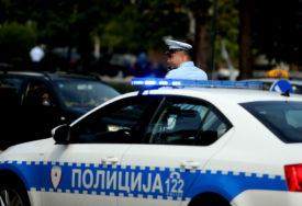 PIJANA SLETJELA AUTOMOBILOM S PUTA Uhapšena žena koja je vozila sa 2,42 promila alkohola u krvi