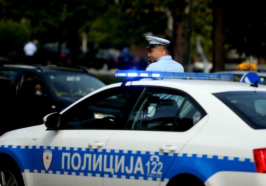 BANJALUČKA POLICIJA NA NOGAMA Potraga za osobom koja je ukrala vozilo i izazvala dvije saobraćajne nesreće