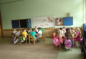 RODITELJI ŽELE DA ZNAJU ZA ŠTA DAJU PARE Osiguranje učenika u Srpskoj posredstvom škola