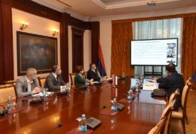 RESTRUKTUISANJE ŽELJEZNICA RS Premijer Višković sa predstavnicima Svetske banke o sljedećoj fazi