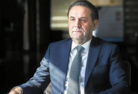 """""""POSTOJI VIŠE RAZLOGA, A DVA SU KLJUČNA"""" Ljajić poslije 20 godina napušta Vladu Srbije"""