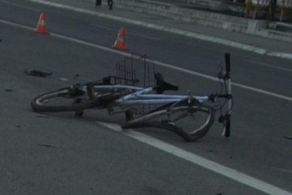 TEŠKA SAOBRAĆAJNA NESREĆA Automobil udario dijete na biciklu u Sinju