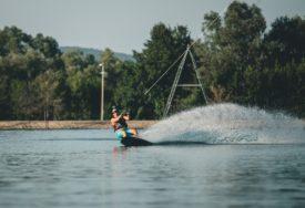 SEZONA I U SEPTEMBRU Jezero Šljivno domaćin adrenalinskog skijanja (FOTO)