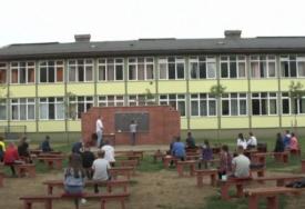 NE TREBAJU IM MASKE Svjetski mediji pišu o školi u BiH koja ima NEOBIČNU UČIONICU