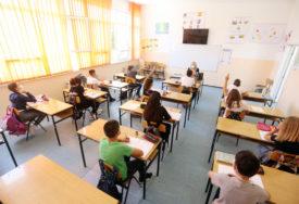 NAJVIŠE SLUČAJEVA MEĐU SREDNJOŠKOLCIMA Koronom do sada zaražena 2.172 djeteta i tinejdžera u Srpskoj