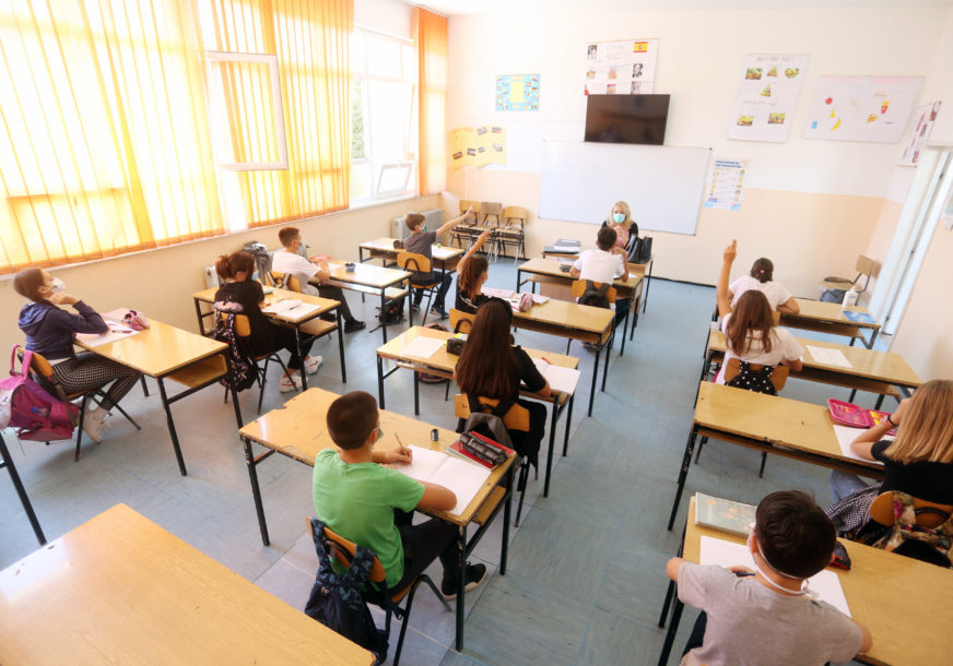 POZITIVAN SKORO SVAKI TREĆI TESTIRANI Korona virus u Srpskoj potvrđen kod još 16 predškolaca i učenika