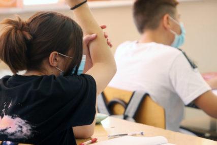 POVRATAK U UČIONICE Od sutra nastava u školama za sve osnovce