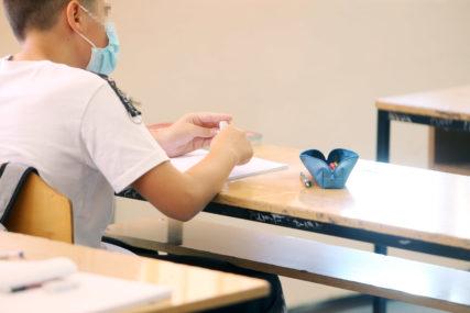 NISU POŠTEĐENI NI NAJMLAĐI Korona za dan potvrđena kod 33 DJETETA predškolskog i školskog uzrasta u Srpskoj